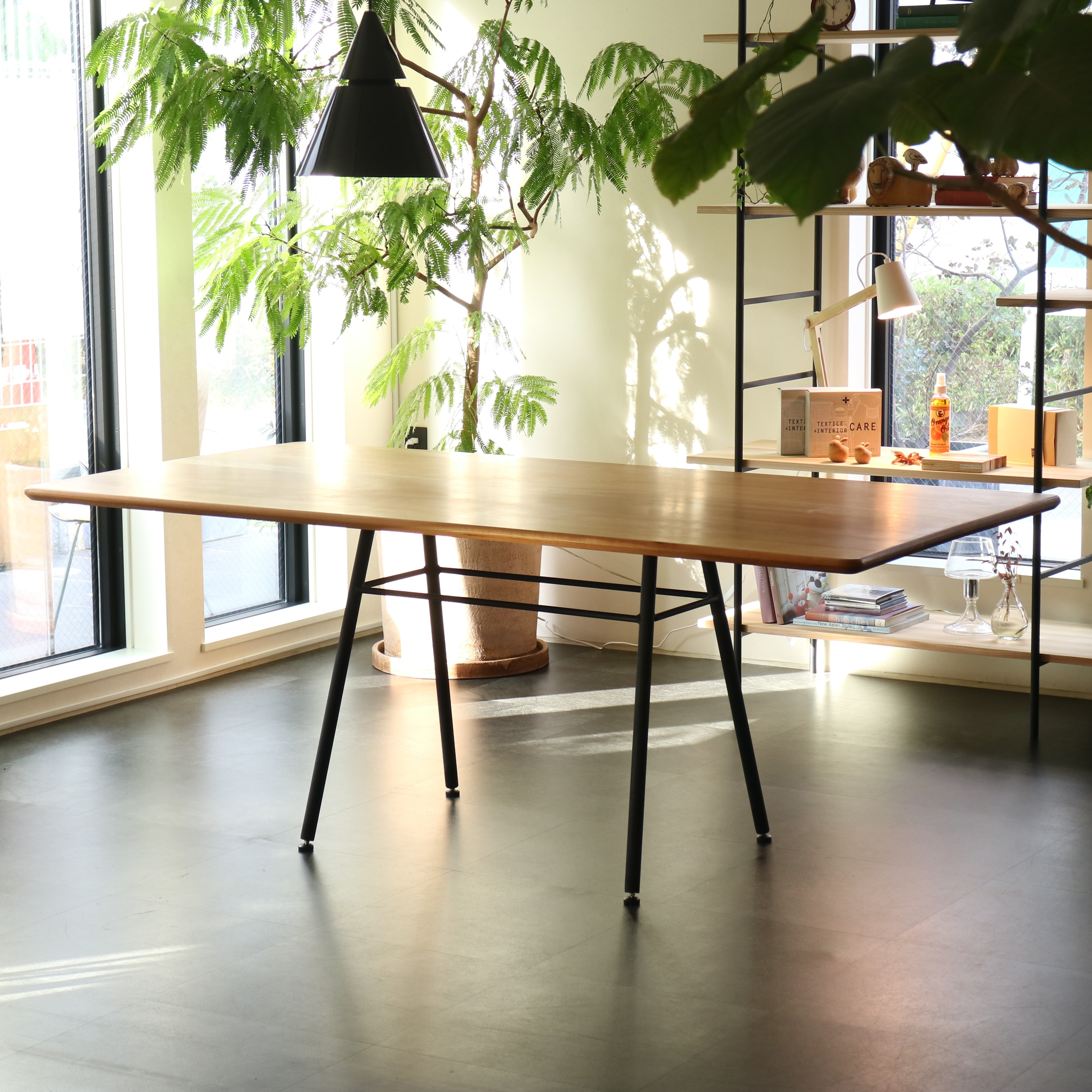 ブラックチェリー無垢材ダイニングテーブル