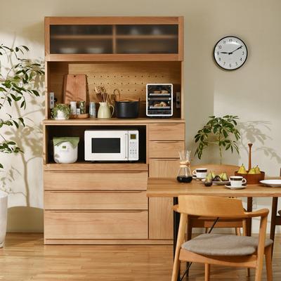 オープンスペースが広く家電をたくさん収納できるキッチンボード